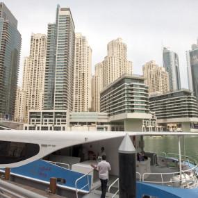 3e750n استديو الصور :دبي في Burj khalifa, At the Top + Round trip Dubai Marina