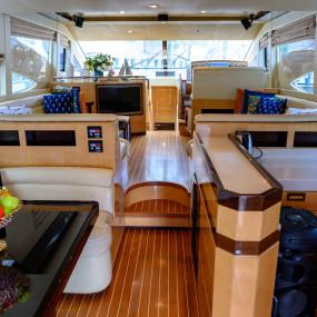 35xy4z استديو الصور :دبي في GENESIS Private Luxury Yacht Cruise