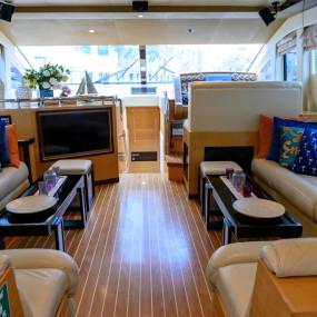 n6q9xz استديو الصور :دبي في GENESIS Private Luxury Yacht Cruise