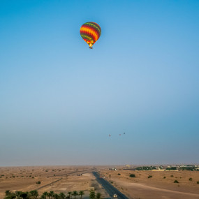 Deluxe Sunrise Hot Air Balloon with Breakfast in Dubai: Gallery Photo n0dq93