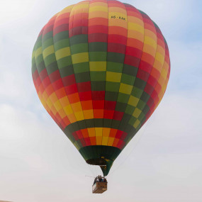 Deluxe Sunrise Hot Air Balloon with Breakfast in Dubai: Gallery Photo 3jd6q3