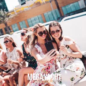 THE MEGA YACHT BRUNCH FRIDAY in Dubai: Gallery Photo gn0p3b