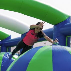 Inflatathon - Get Pumped in Dubai: Gallery Photo 38v4qn