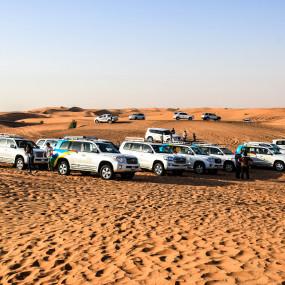 7zge4n استديو الصور :دبي في Deluxe Desert Safari with BBQ and Transfer